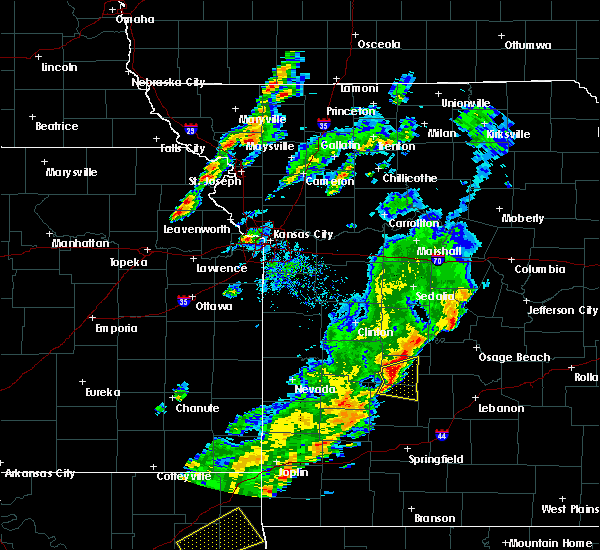 Radar Image for Severe Thunderstorms near Clyde, MO at 11/5/2015 4:08 PM CST