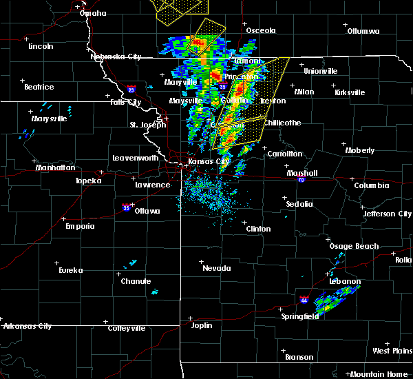 Radar Image for Severe Thunderstorms near Utica, MO at 11/11/2015 2:14 PM CST