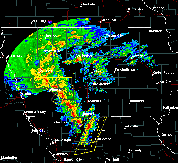 Radar Image for Severe Thunderstorms near Mount Ayr, IA at 11/11/2015 2:26 PM CST