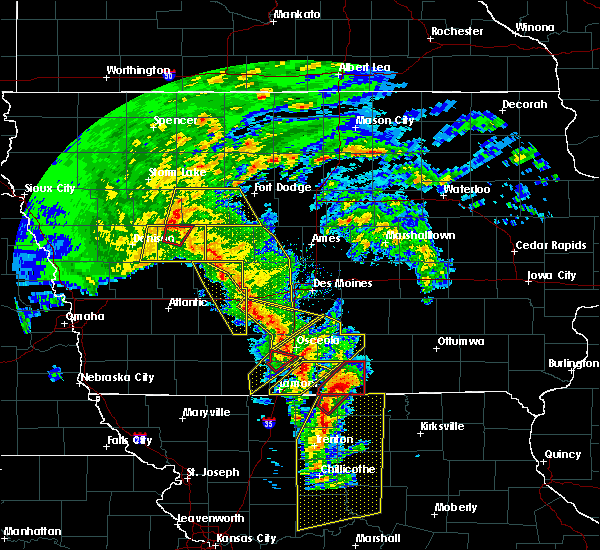 Radar Image for Severe Thunderstorms near Osceola, IA at 11/11/2015 2:58 PM CST