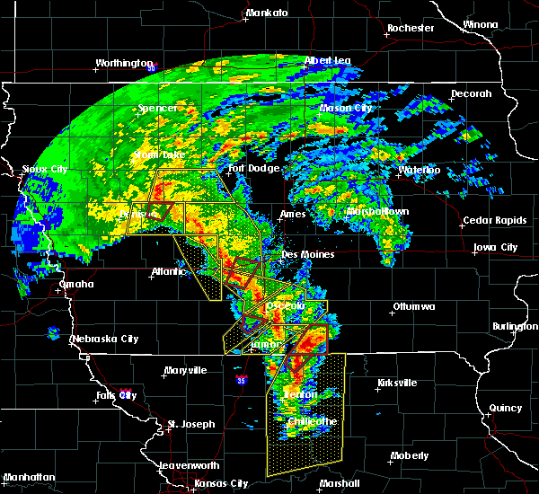 Radar Image for Severe Thunderstorms near De Soto, IA at 11/11/2015 3:02 PM CST