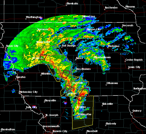 Radar Image for Severe Thunderstorms near Clio, IA at 11/11/2015 3:01 PM CST