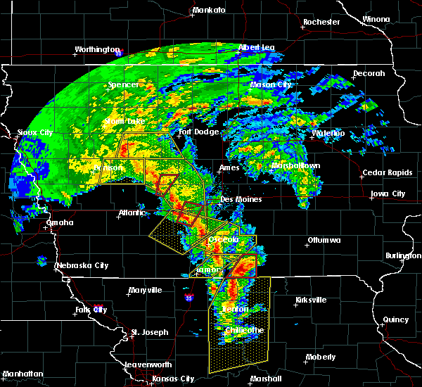 Radar Image for Severe Thunderstorms near Jamaica, IA at 11/11/2015 3:04 PM CST