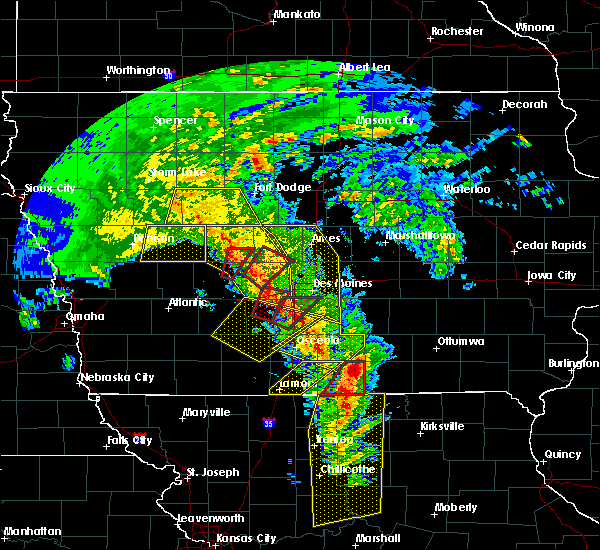 Radar Image for Severe Thunderstorms near Dedham, IA at 11/11/2015 3:14 PM CST