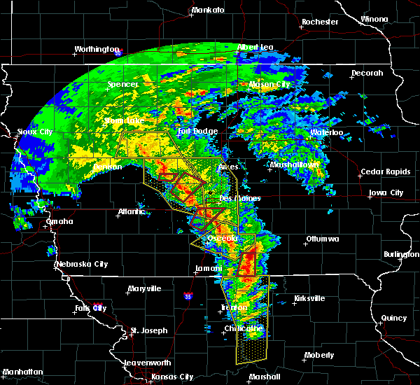 Radar Image for Severe Thunderstorms near Seymour, IA at 11/11/2015 3:18 PM CST