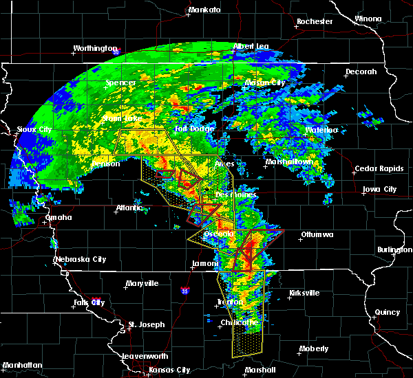 Radar Image for Severe Thunderstorms near Woodward, IA at 11/11/2015 3:23 PM CST