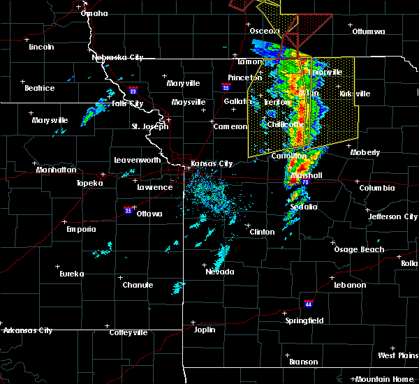 Radar Image for Severe Thunderstorms near Windsor Place, MO at 11/11/2015 3:29 PM CST