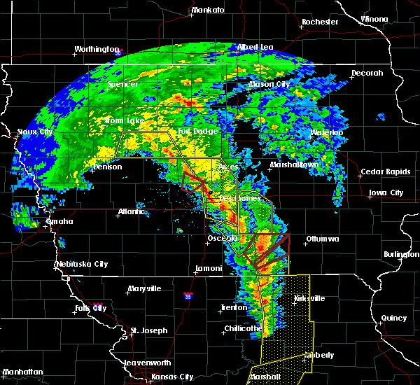 Radar Image for Severe Thunderstorms near Centerville, IA at 11/11/2015 3:35 PM CST