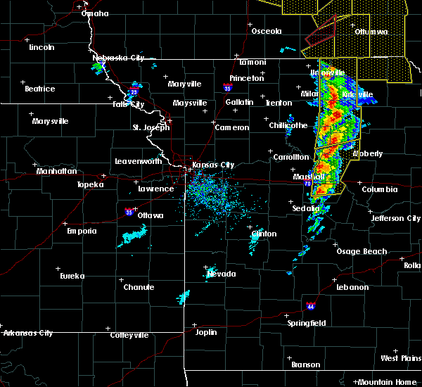 Radar Image for Severe Thunderstorms near Kirksville, MO at 11/11/2015 3:58 PM CST