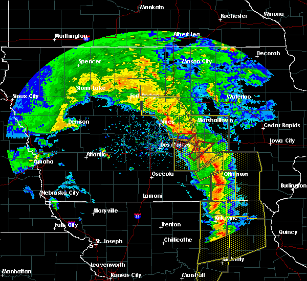 Radar Image for Severe Thunderstorms near Keomah Village, IA at 11/11/2015 4:13 PM CST