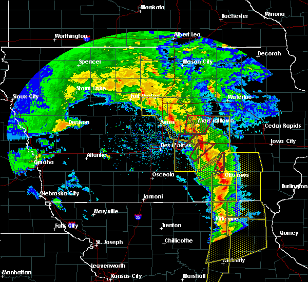 Radar Image for Severe Thunderstorms near Melbourne, IA at 11/11/2015 4:15 PM CST