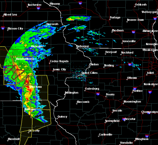Radar Image for Severe Thunderstorms near What Cheer, IA at 11/11/2015 4:16 PM CST