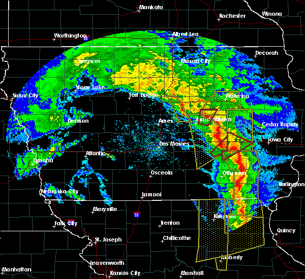 Radar Image for Severe Thunderstorms near Lincoln, IA at 11/11/2015 4:42 PM CST