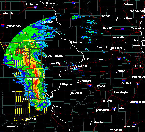 Radar Image for Severe Thunderstorms near Ladora, IA at 11/11/2015 4:45 PM CST