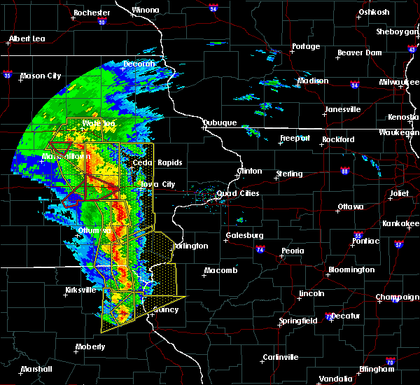 Radar Image for Severe Thunderstorms near Warsaw, IL at 11/11/2015 4:55 PM CST