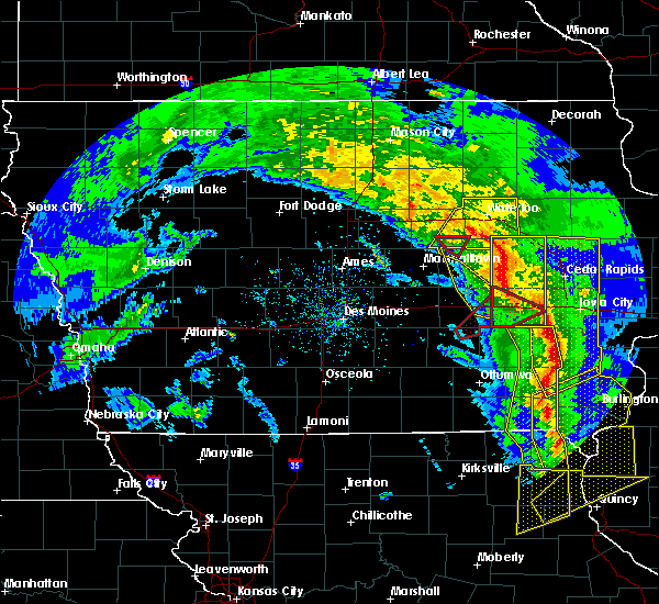 Radar Image for Severe Thunderstorms near Lincoln, IA at 11/11/2015 4:58 PM CST
