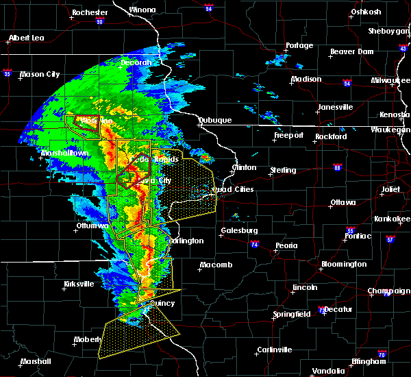 Radar Image for Severe Thunderstorms near Reynolds, IL at 11/11/2015 5:24 PM CST