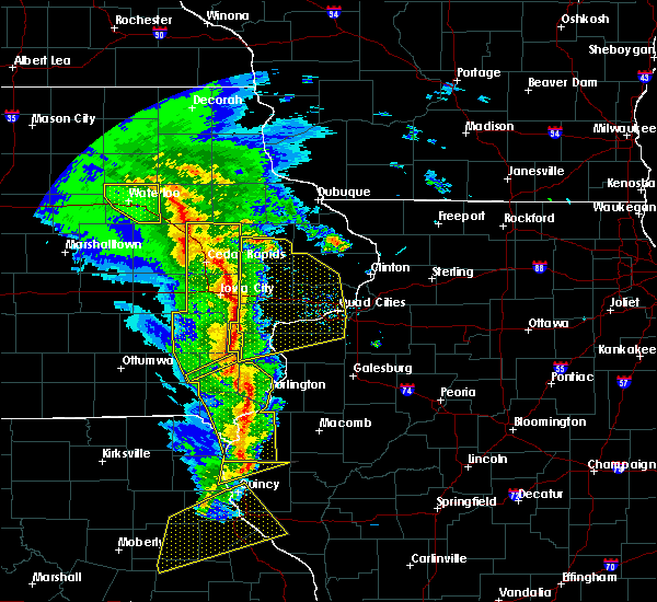 Radar Image for Severe Thunderstorms near Kirkwood, IL at 11/11/2015 5:31 PM CST