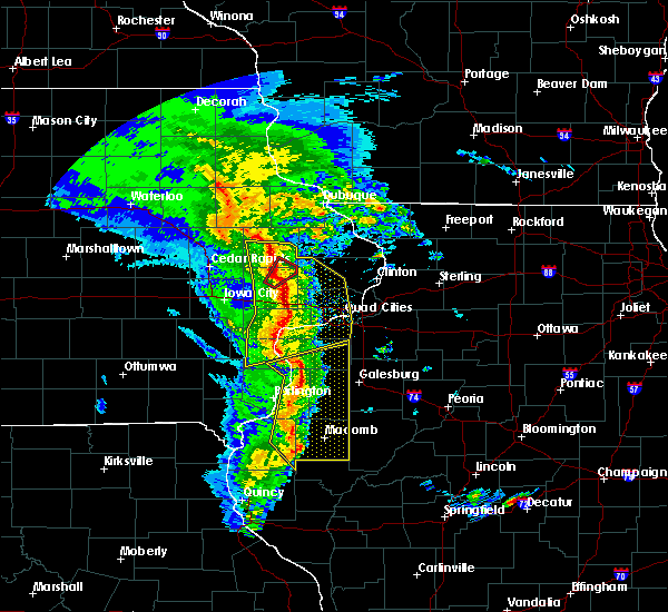 Radar Image for Severe Thunderstorms near Clarence, IA at 11/11/2015 5:56 PM CST