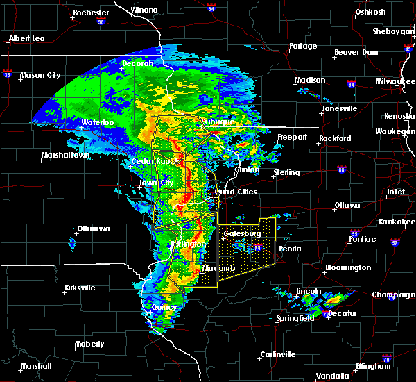 Radar Image for Severe Thunderstorms near Dunfermline, IL at 11/11/2015 6:04 PM CST