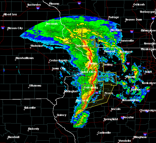 Radar Image for Severe Thunderstorms near Hennepin, IL at 11/11/2015 6:59 PM CST