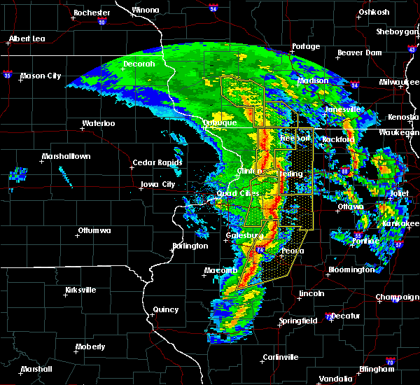 Radar Image for Severe Thunderstorms near Rockford, IL at 11/11/2015 7:21 PM CST