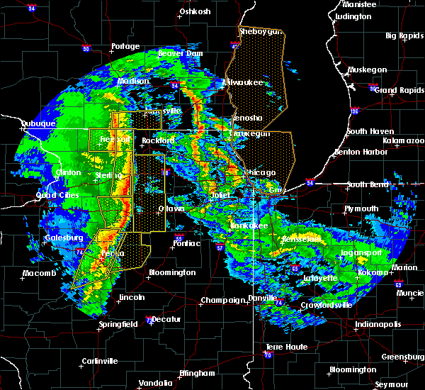 Radar Image for Severe Thunderstorms near Rockford, IL at 11/11/2015 7:50 PM CST