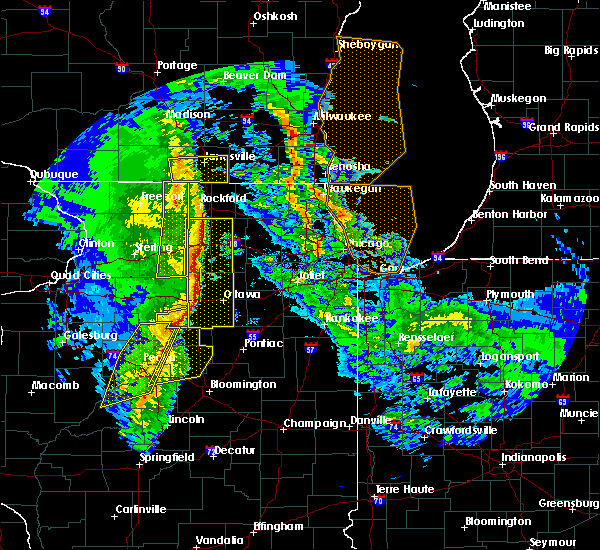 Radar Image for Severe Thunderstorms near Hennepin, IL at 11/11/2015 7:56 PM CST