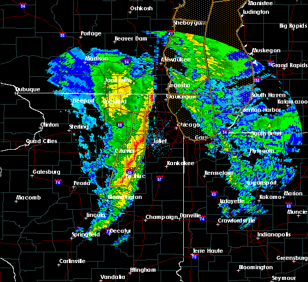 Radar Image for Severe Thunderstorms near Cornell, IL at 11/11/2015 9:03 PM CST