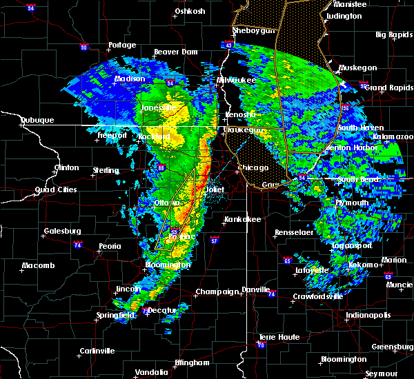 Radar Image for Severe Thunderstorms near Cornell, IL at 11/11/2015 9:14 PM CST