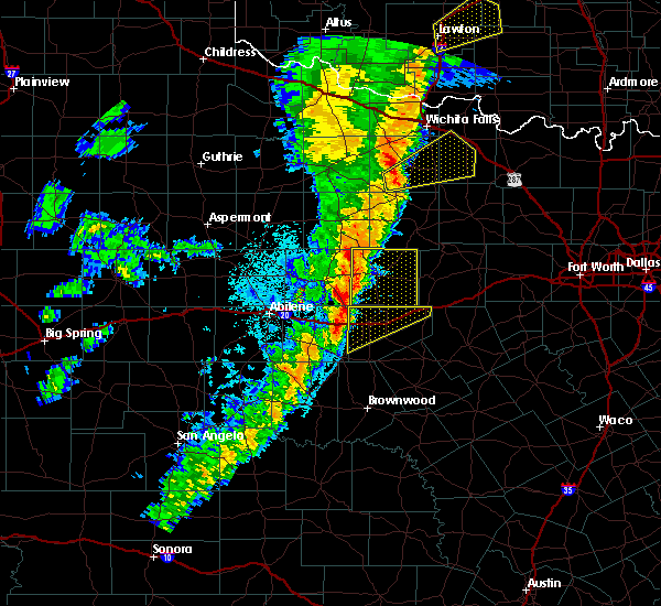 Radar Image for Severe Thunderstorms near Eastland, TX at 11/17/2015 12:53 AM CST