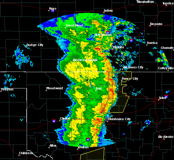 Radar Image for Severe Thunderstorms near Blackwell, OK at 11/17/2015 1:49 AM CST
