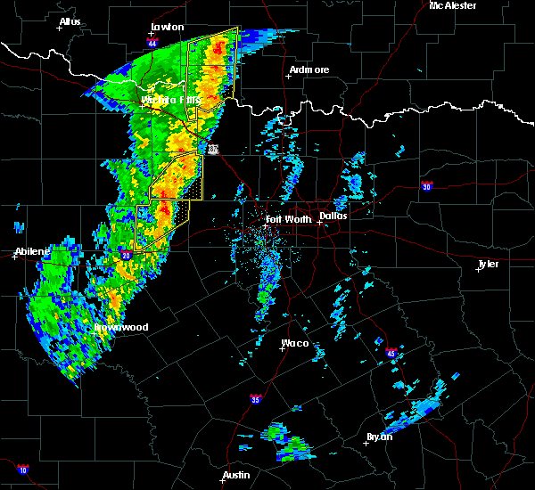 Radar Image for Severe Thunderstorms near Mineral Wells, TX at 11/17/2015 2:12 AM CST