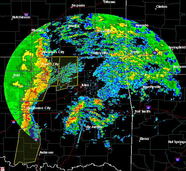Radar Image for Severe Thunderstorms near Blackburn, OK at 11/17/2015 2:26 AM CST