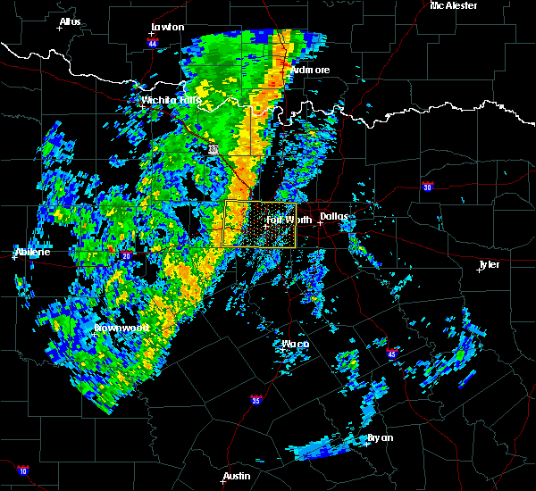 Radar Image for Severe Thunderstorms near Kennedale, TX at 11/17/2015 3:05 AM CST