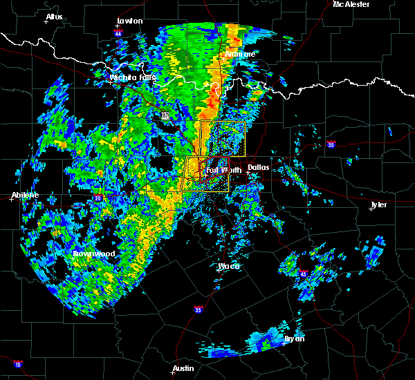 Radar Image for Severe Thunderstorms near Irving, TX at 11/17/2015 3:27 AM CST