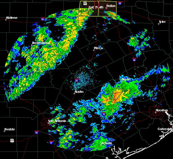 Radar Image for Severe Thunderstorms near Burton, TX at 11/17/2015 3:43 AM CST