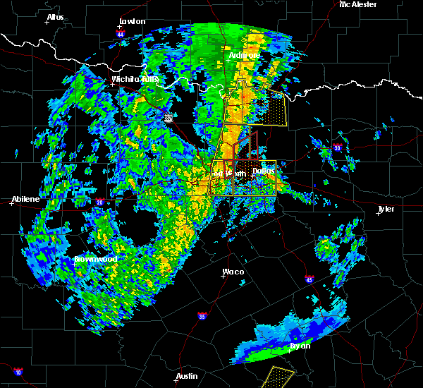 Radar Image for Severe Thunderstorms near Kennedale, TX at 11/17/2015 3:49 AM CST
