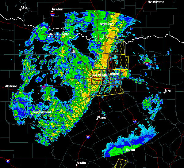 Radar Image for Severe Thunderstorms near Richardson, TX at 11/17/2015 4:05 AM CST