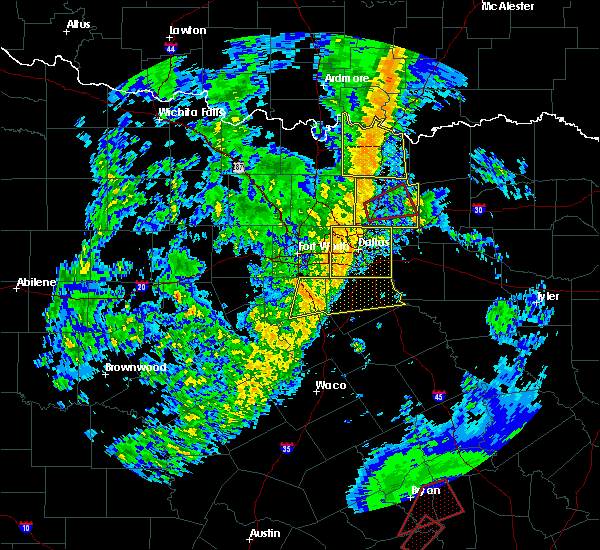 Radar Image for Severe Thunderstorms near Waxahachie, TX at 11/17/2015 4:20 AM CST