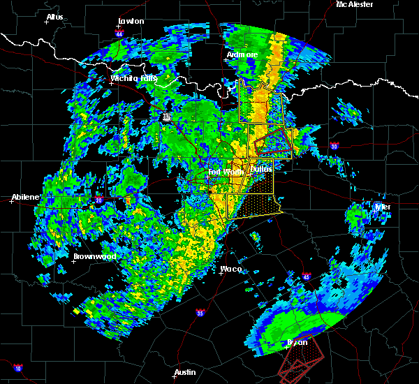 Radar Image for Severe Thunderstorms near Richardson, TX at 11/17/2015 4:24 AM CST