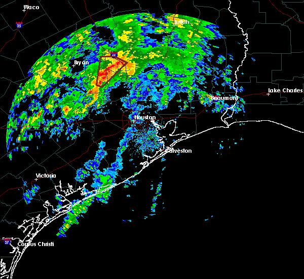 Radar Image for Severe Thunderstorms near Huntsville, TX at 11/17/2015 7:39 AM CST