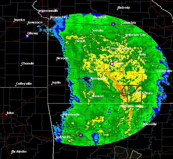 Radar Image for Severe Thunderstorms near Pomona, MO at 11/17/2015 2:50 PM CST