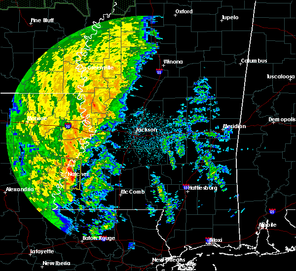 Radar Image for Severe Thunderstorms near Natchez, MS at 11/17/2015 8:08 PM CST