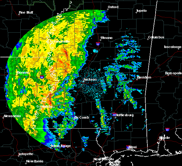 Radar Image for Severe Thunderstorms near Fayette, MS at 11/17/2015 8:38 PM CST