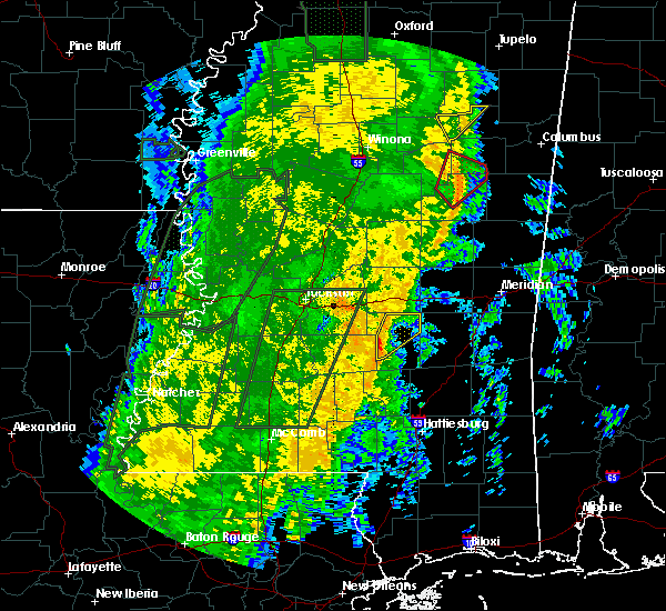 Radar Image for Severe Thunderstorms near Raleigh, MS at 11/18/2015 1:09 AM CST