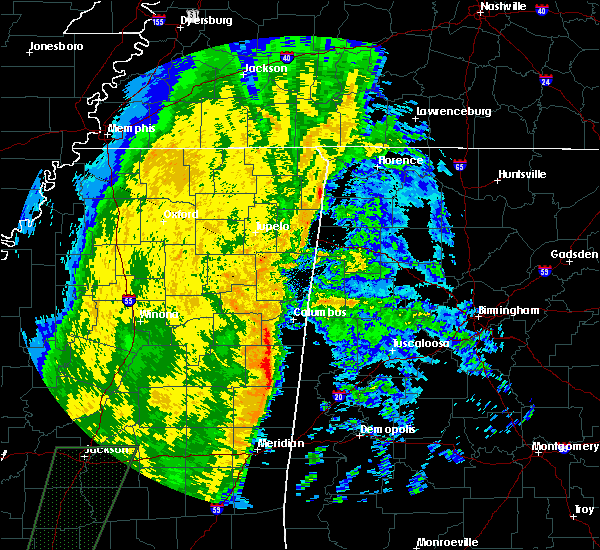 Radar Image for Severe Thunderstorms near Pickensville, AL at 11/18/2015 3:29 AM CST