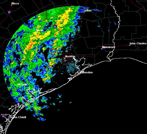 Radar Image for Severe Thunderstorms near Huntsville, TX at 12/12/2015 5:05 PM CST