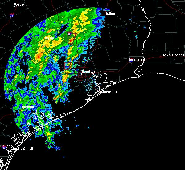 Radar Image for Severe Thunderstorms near Huntsville, TX at 12/12/2015 5:12 PM CST
