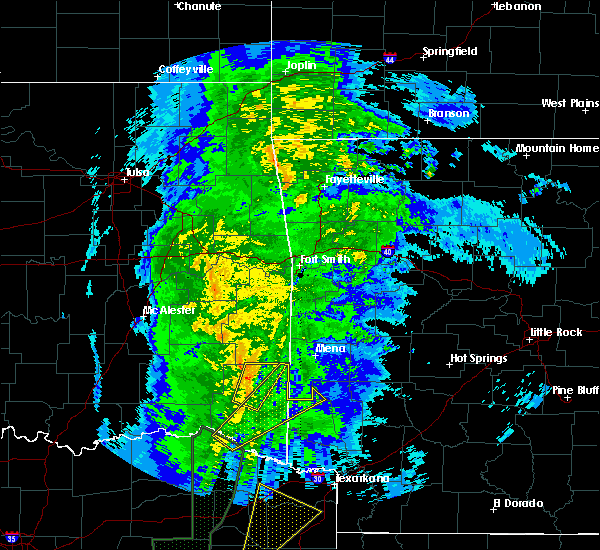 Radar Image for Severe Thunderstorms near Broken Bow, OK at 12/12/2015 8:25 PM CST